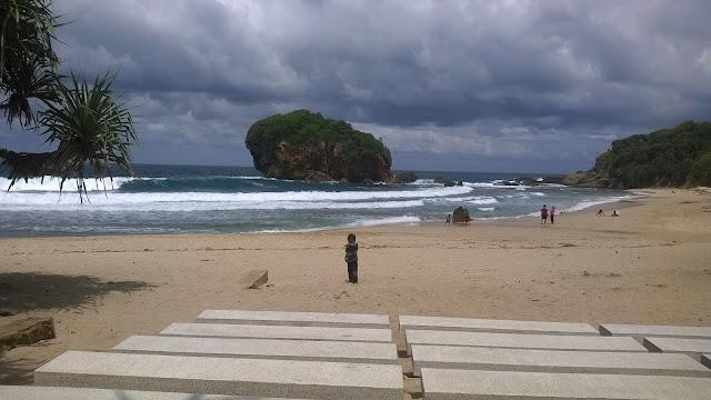 Blog Wisata | Menuju Pantai Jungwok Yang Eksotis ( Seri Travelblog Part 5 )