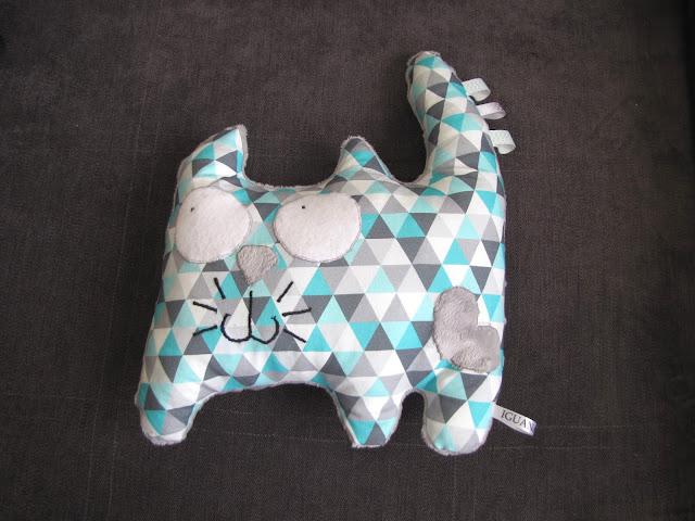 prezent dla dziecka, jak uszyć poduszkę, kot
