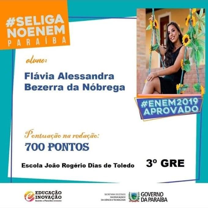 Assunção: Flávia Alessandra foi a aluna destaque na redação do ENEM