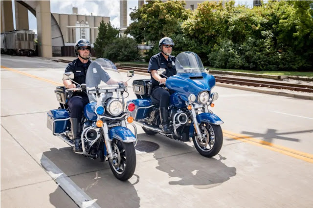 Harley-Davidson special build police bikes Road King and Electra Glide (H-D)