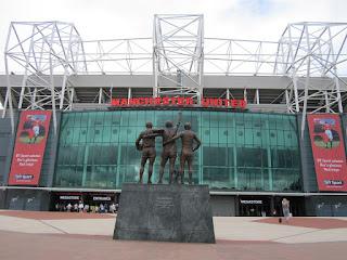 Old Trafford stadion ligger i nærheten av hvilken storby?