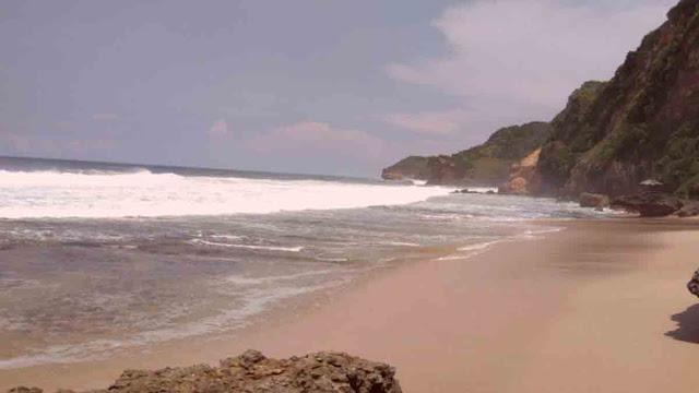 pantai-seruni
