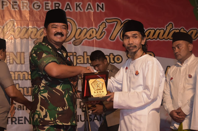 Panglima TNI Silaturahmi dan Doa Bersama di Pondok Pesantren UNIQ Malang