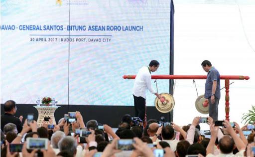 Buku <i>Man of Contradictions</i> Sindir Kegagalan Proyek Infrastruktur Jokowi di Bitung