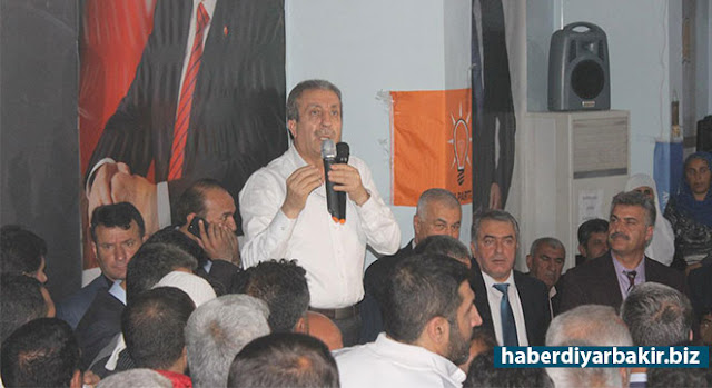 DİYARBAKIR-AK Parti Genel Başkan Yardımcısı Mehdi Eker, 16 Nisan'da gerçekleştirilecek referandum çalışmaları kapsamında Diyarbakır'ın Bismil ilçesine geldi.