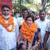महुआ अनुमंडल कार्यालय में जंदाहा प्रखंड के 3 जिला परिषद क्षेत्र के लिए चल रहे नामांकन के 2 उम्मीदवारों ने पर्चे दाखिल किए