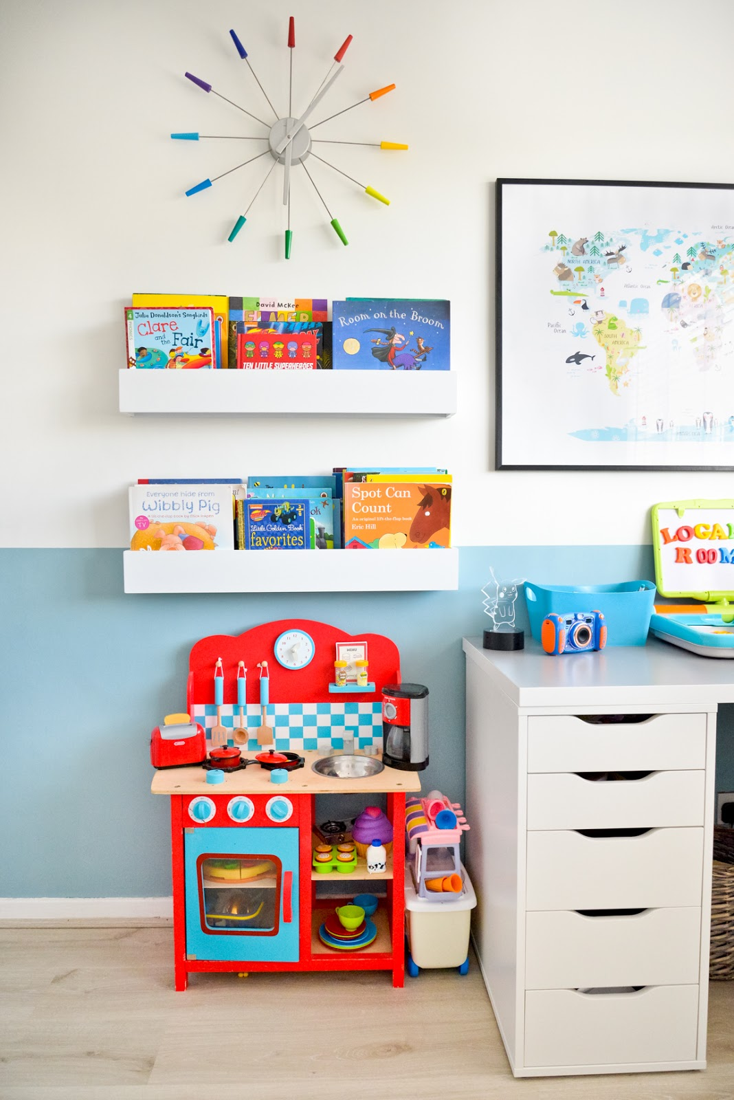 kids modern room, kids room decor, modern kids room, kids room ideas, kids desk, kids book shelves