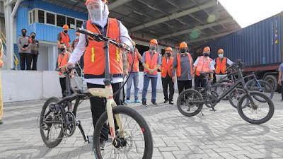 Atasi Dampak Covid-19, Gubernur Khofifah Ajak Masyarakat Belanja Produk Lokal