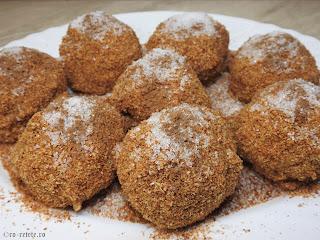 Gomboti cu prune reteta de post retete desert dulce prajitura cu fructe galuste de casa traditionale fierte cu pesmet zahar scortisoara cartofi faina,