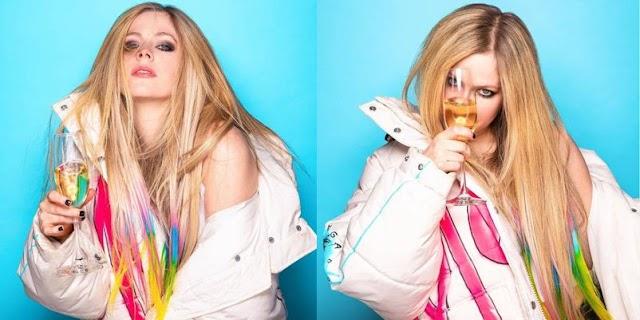 Avril Lavigne les desea feliz año nuevo a sus fans con un nuevo look