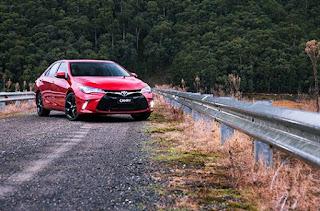 2016 Toyota Camry Atara SX Review Price