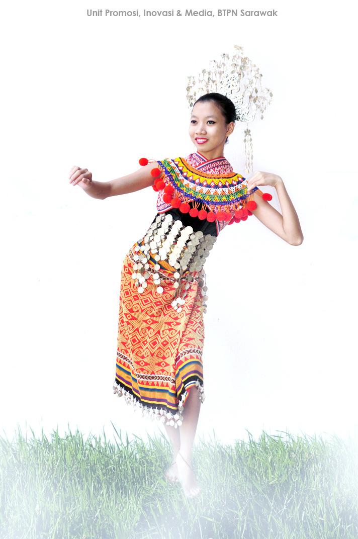 Kaum Pakaian Tradisional Iban