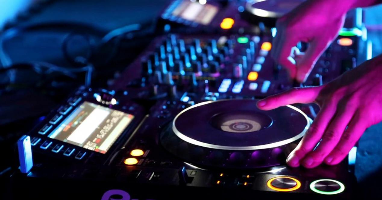 5 formas de generar dinero con la música