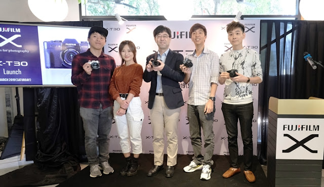 At FUJIFILM X-T30 Launch:  X-T30 is targeted to a broader range of users from professional photographers to first time beginners, allowing users to capture the premium quality pictures with ease, regardless of experience. Special guests were invited to share their experience and some useful tips using new Fujifilm X-T30.  From left: Dixon, representative from Jinnyboy TV; Katy Tan, from Travelogue; 2. Hiroyuki Matsuura, Managing Director of Fujifilm (M) Sdn Bhd; Irwin Oon, representation from Jinnyboy TV; and Ryan, also known as Squarepad