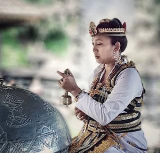 Pengertian, Syarat, Tugas, Kewajiban dan Pengelompokan Orang Suci Dalam Ajaran Hindu