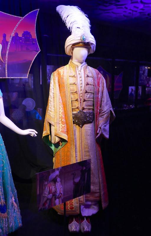 Navid Negahban Aladdin Sultan film costume