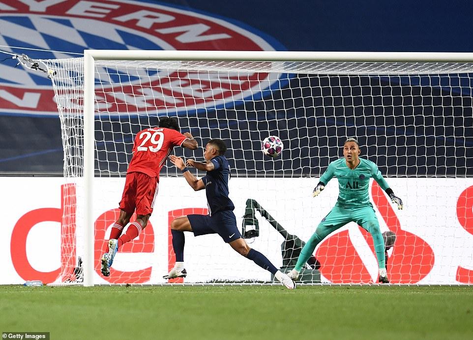 Lên ngôi vô địch, 'người hùng' Bayern vẫn tiếc cho PSG