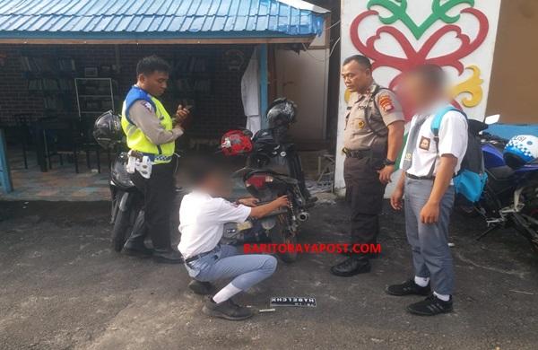 Hati-Hati..!! Satlantas Polresta Palangka Raya Tertibkan Pengendara Pelajar dan Pengguna Knalpot Blong