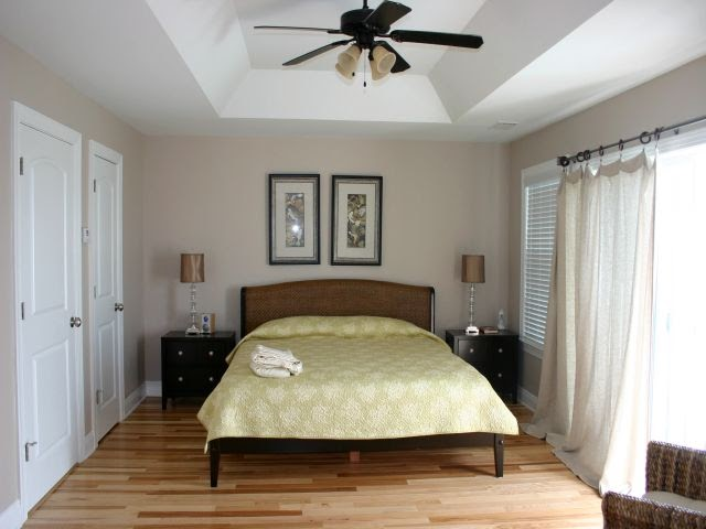Bedroom Design Decor: Small Master Bedroom Decorating