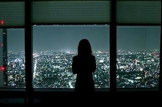 20 άσχημα πράγματα που κάνουμε όταν είμαστε μόνοι