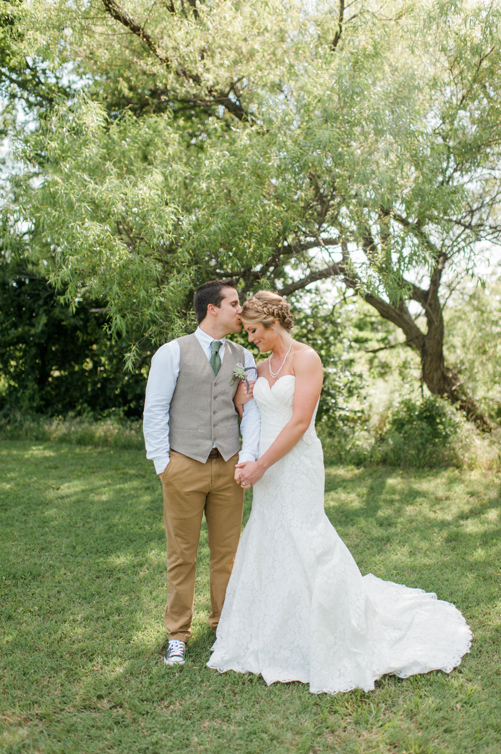 Blogger Amanda's OK shares photos of her outdoor spring wedding in Oklahoma