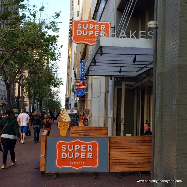 exterior of Super Duper Burgers in downtown San Francisco