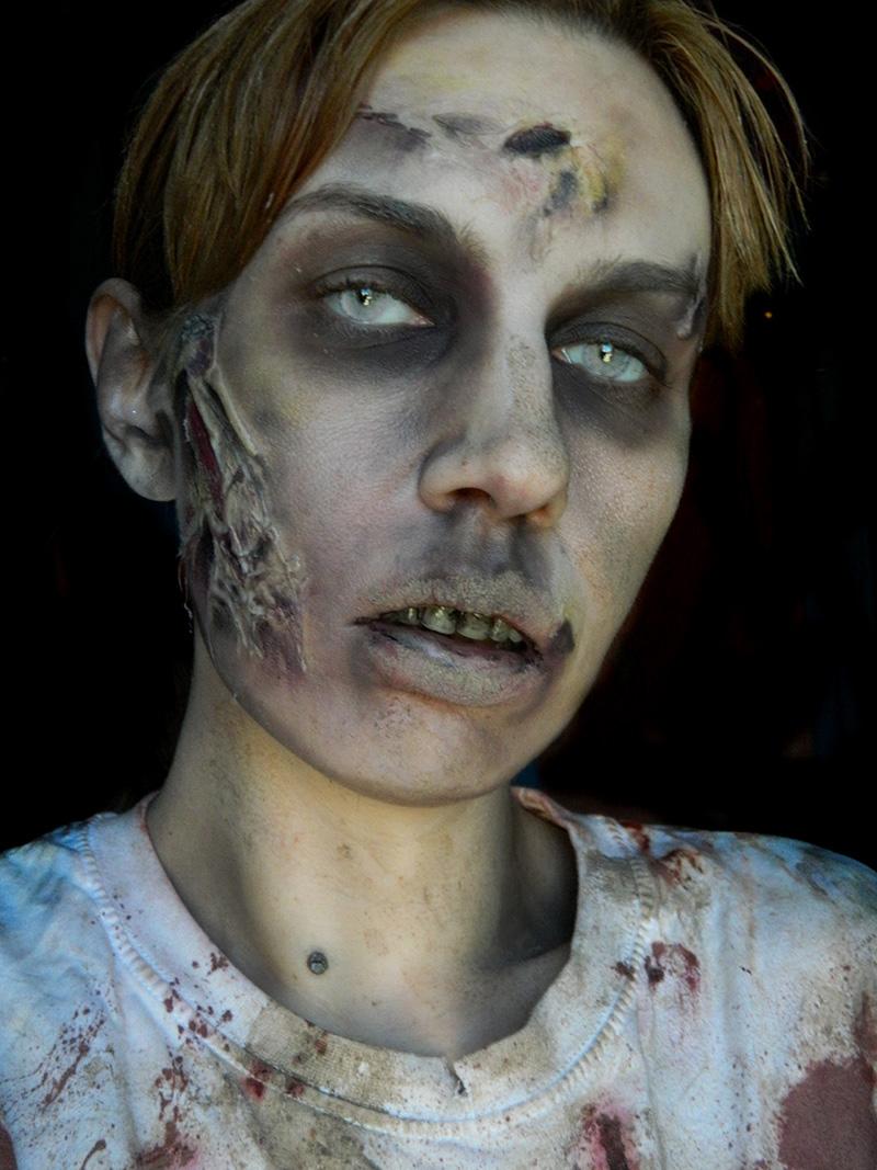 maquillage zombie brulure. Black Bedroom Furniture Sets. Home Design Ideas