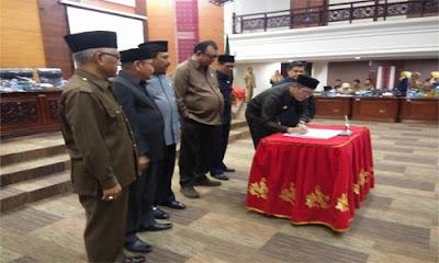 Dua Fraksi DPRD Sumbar Tolak Perda Pertangjawaban APBD 2018