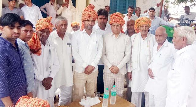 rajesh-nagar-bjp-leader-being-welcome-cheershi-village