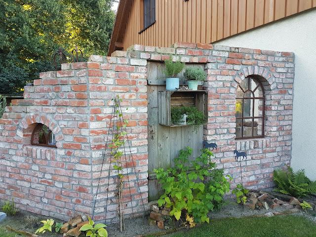 Wind und Sichtschutz Ruinenmauer