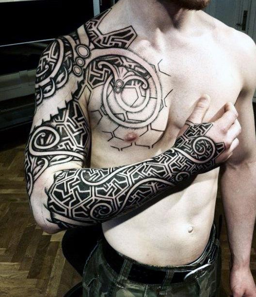 Si quieres ir a un tatuaje que resulte puramente auténtico, estudia los  diseños de Vikingos que han sobrevivido.