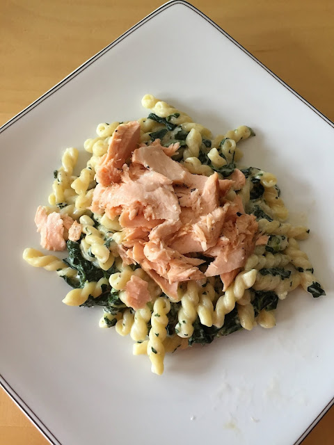 schiava wine pairing with salmon pasta