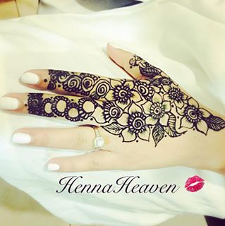 Sophisticated mehndi designs