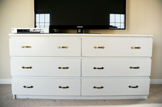 16 creative ways to use the ikea malm dresser do it for Malm kommode weiay