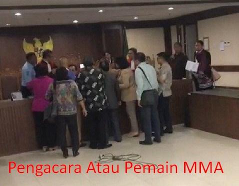 Banyak Pihak Mengutuk Perbuatan Pengacara TW Yang Memukul Hakim