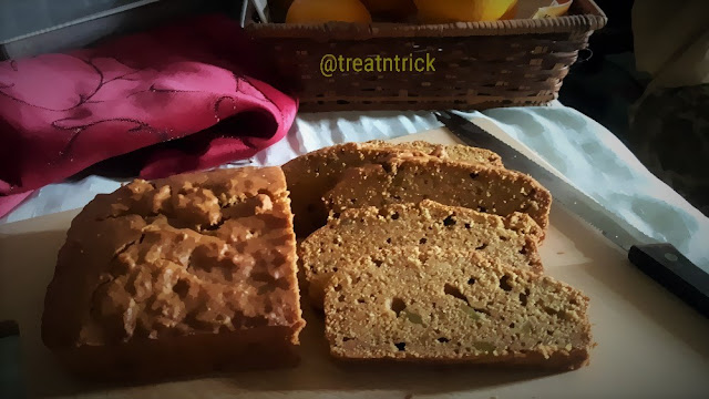 Easy Pumpkin Bread recipe @ treatntrick.blogspot.com