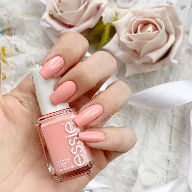 Essie-Feelin'-poppy-everythings-rosy-review
