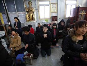 Igreja Católica clandestina em Tianjin, 6ª maior cidade chinesa.