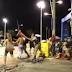 SALVADOR: Vídeo mostra policial agredindo folião de bloco com cone sinalizador de trânsito, assista