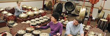 Ragam Jenis-jenis Musik Tradisional Asli Indonesia yang Terkenal