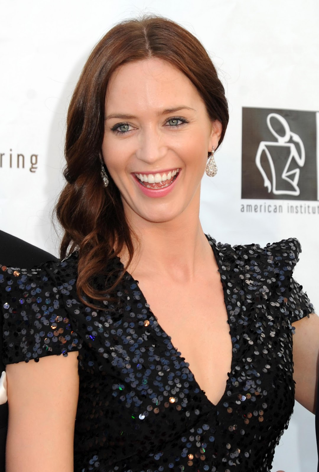Phenomenal English Actress Emily Blunt Hairstyle Angled Bob Hairstyle Short Hairstyles Gunalazisus