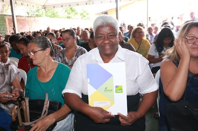 Agehab convoca mais de 1.300 famílias de Goiânia para entrega e assinatura de escrituras