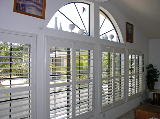 Blinds 4 Less Faux Wood Versus Real Wood Plantation Shutters