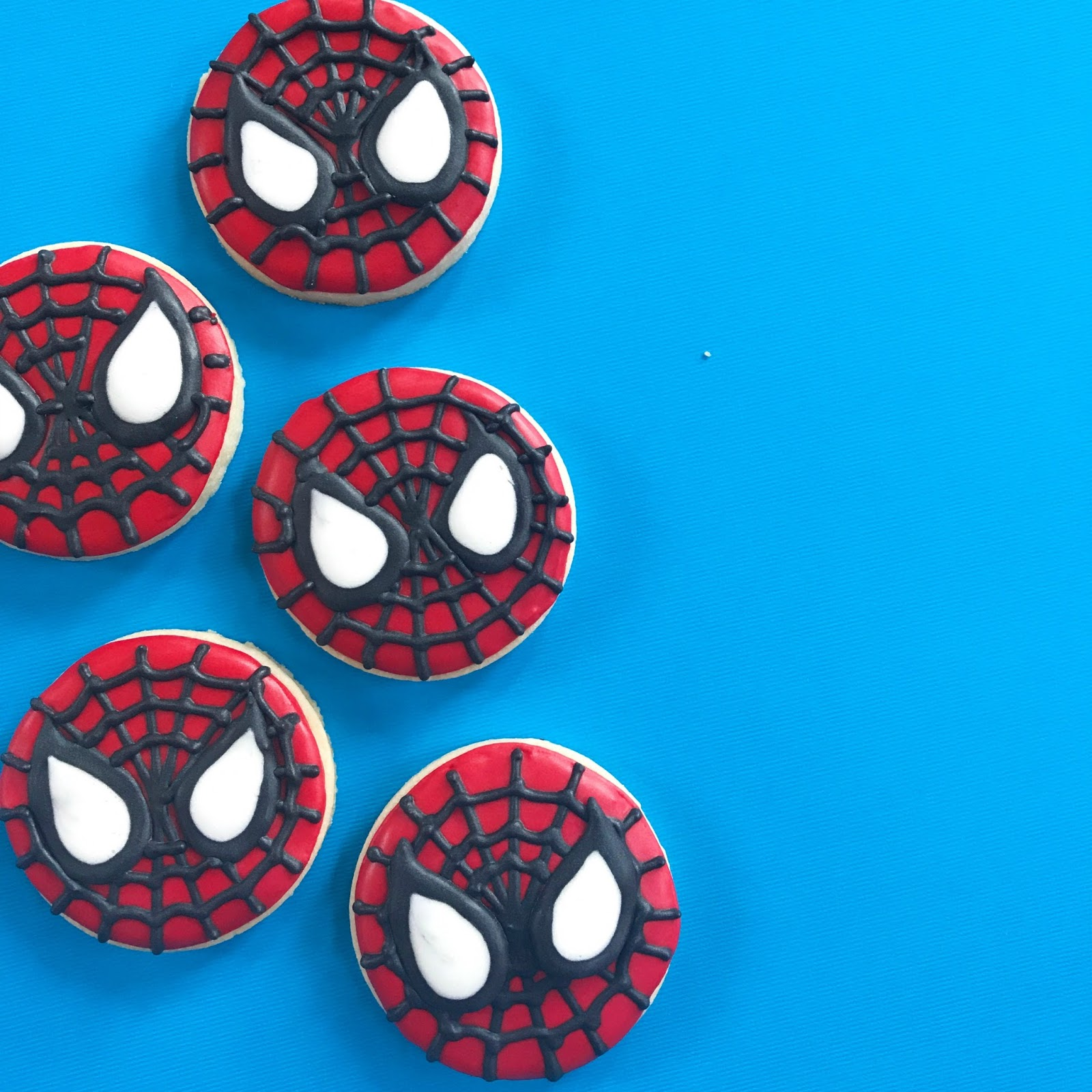 how to make spiderman cookies