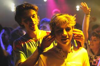 Benjamin Boisin y Félix Lefebvre en la discoteca, Verano del 85