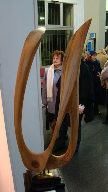 Esculturas abstractas germ n dar esculturas abstractas - Esculturas de madera abstractas ...