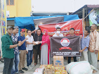 Forum Silaturahmi Pemuda Simpang Empat - Opak Kab. Aceh Tamiang Salurkan Bantuan Terhadap Korban Kebakaran di Kawasan Simpang Tugu Opak