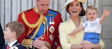 Príncipe Louis rouba a cena em seu primeiro evento oficial