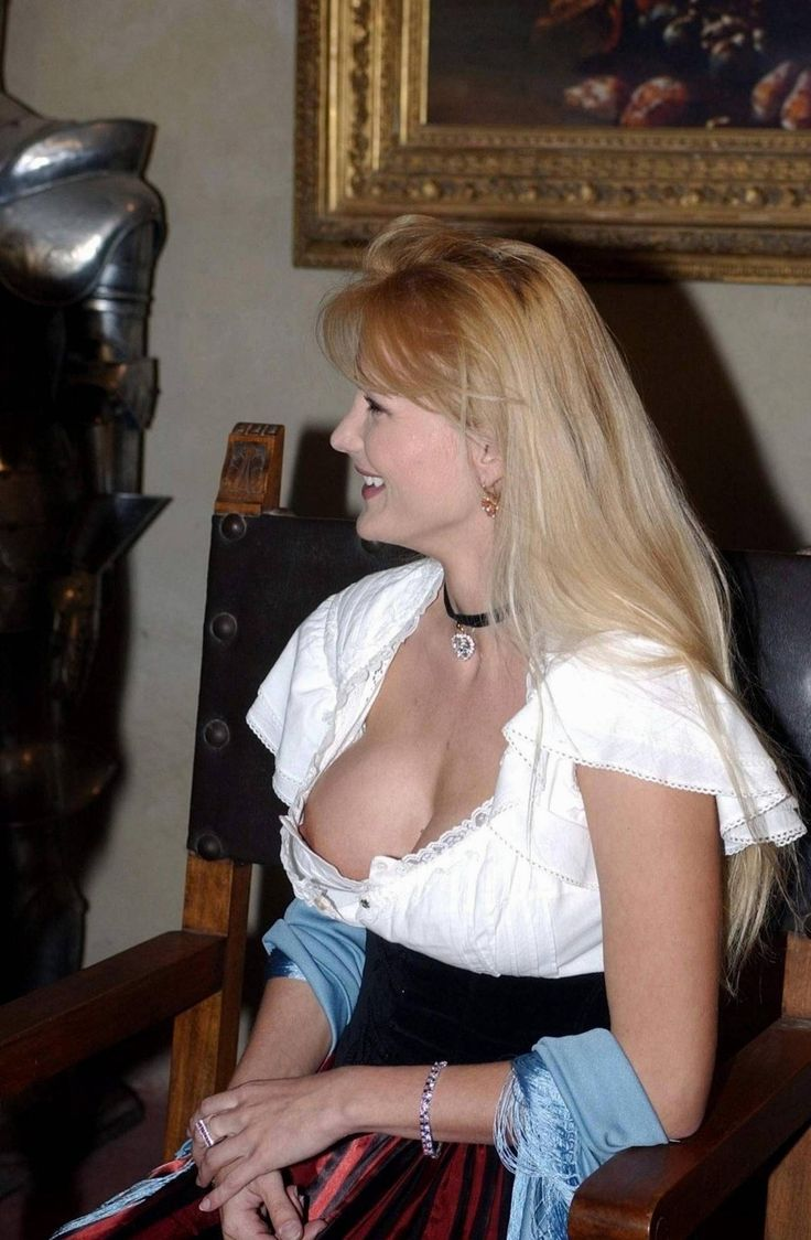 Mature downblouse photos