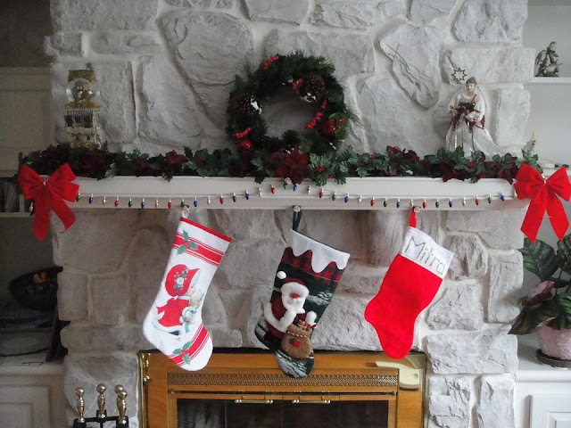 http://www.ladymermaid.com/2017/11/different-names-for-santa-clause.html